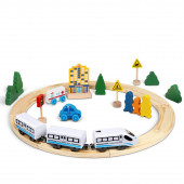 Электрический поезд с деревянной железной дорогой